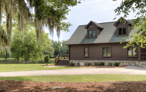 170601-Chris-and-Cami-Photography-0004 - side view of cabin with spanish moss in trees