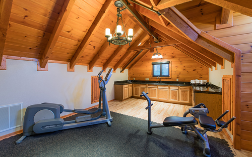 170601-Chris-and-Cami-Photography-0020 - exercise equipment in cabin