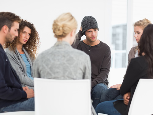 What Is a Blackout Period in Recovery? - group therapy session